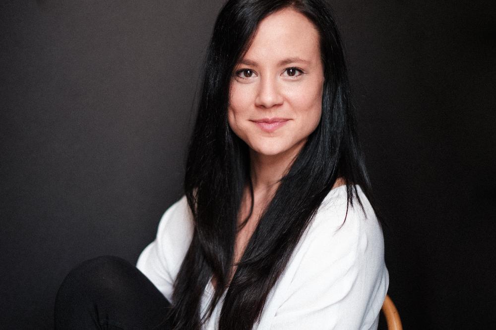 Jessica Kuhne - Bio